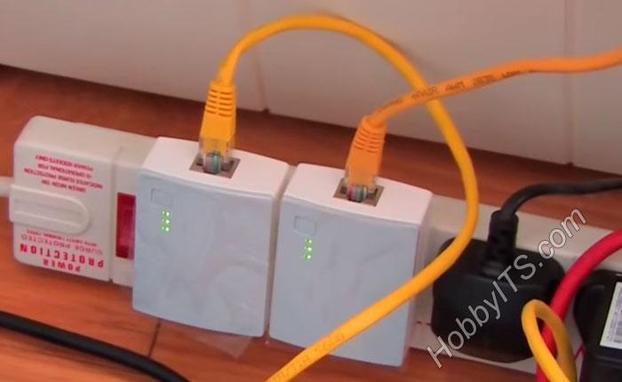 Не стоит подключать PLC-адаптер, через сетевые фильтры и ИБП