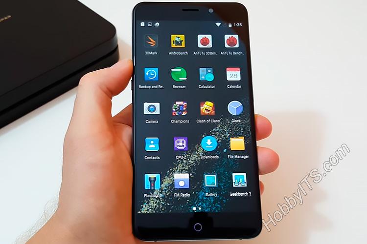 Второй экран с предустановленными приложениями UMI Super