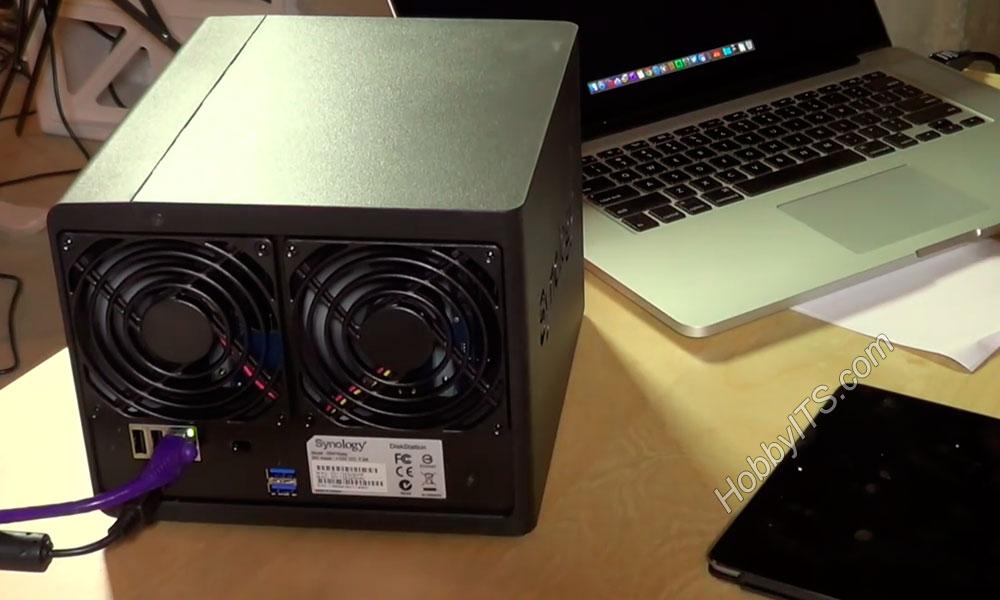 Модель NAS с двумя внутренними вентиляторами для охлаждения дисков