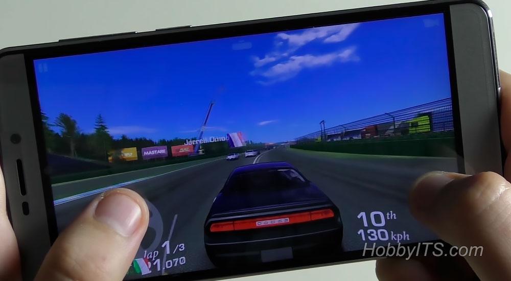 Игра Real Racing 3 на максимальных идет без проблем