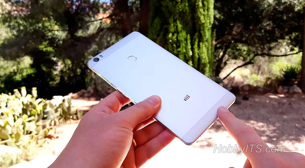 Тыльная сторона Xiaomi Mi Max с камерой и вспышкой