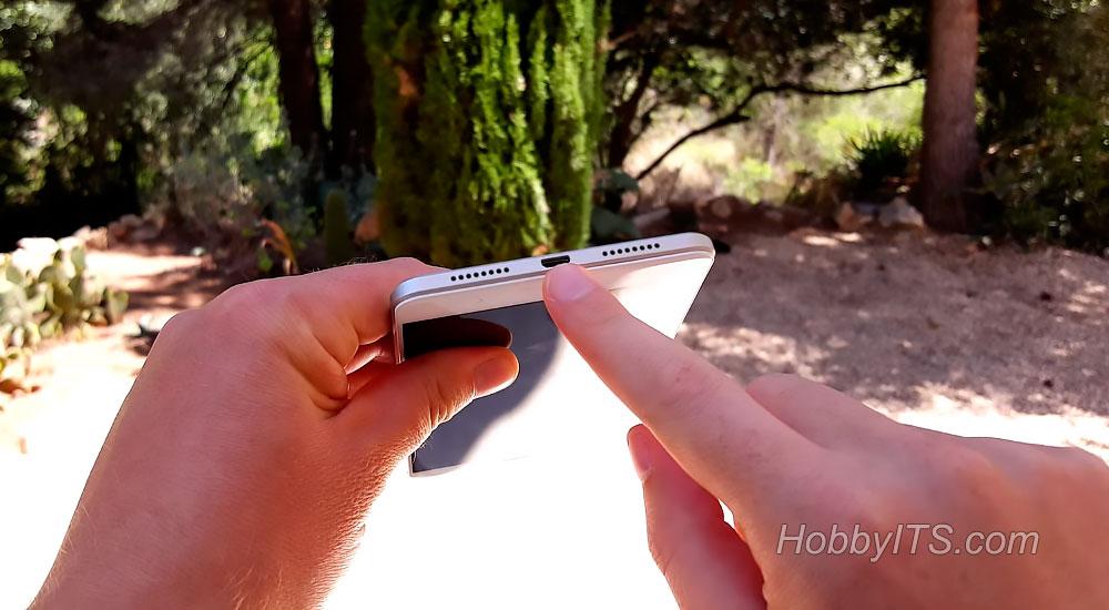 Микро USB порт, микрофон и динамик в нижнем торце смартфона Mi Max