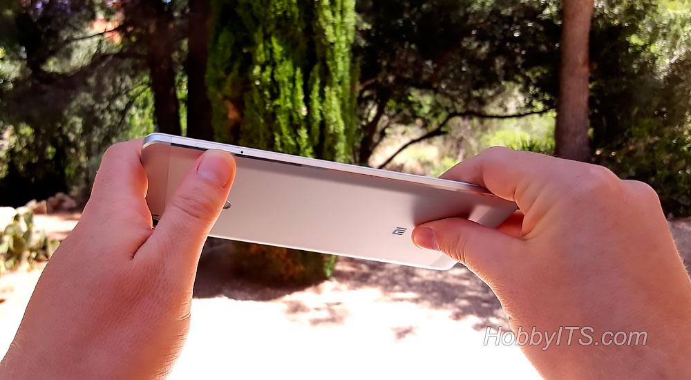 Лоток с двумя слотами для SIM карт на Mi Max