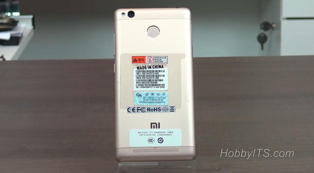 Тыльная сторона смартфона с камерой и вспышкой Xiaomi Redmi 3S