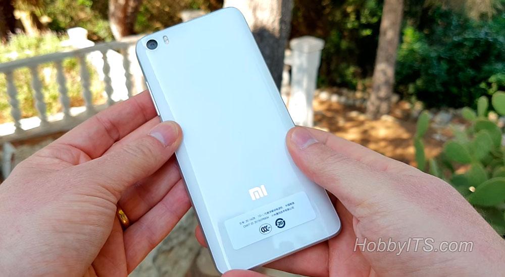 Тыльная сторона с камерой и сенсором от Sony IMX 298 на XiaoMi Mi5