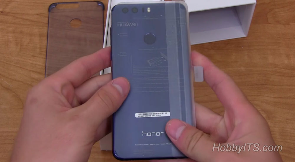 Запакованный в защитную пленку Huawei Honor 8