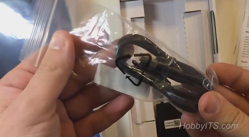 microUSB кабель в комплекте с планшетом Lenovo TAB3 7