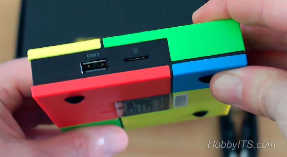 USB-порт и слот для SD карт до 32 ГБ