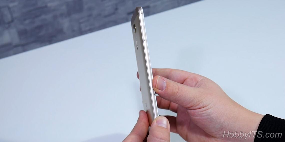 Левая грань смартфона Xiaomi Redmi 5 Plus