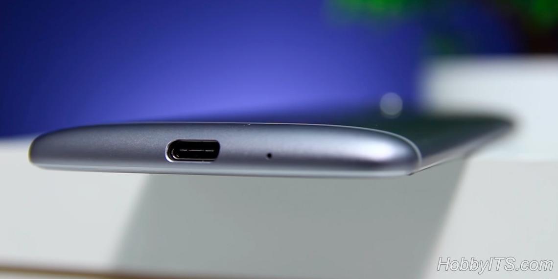 Нижний торец ZTE Axon 7 Mini с USB-Type C