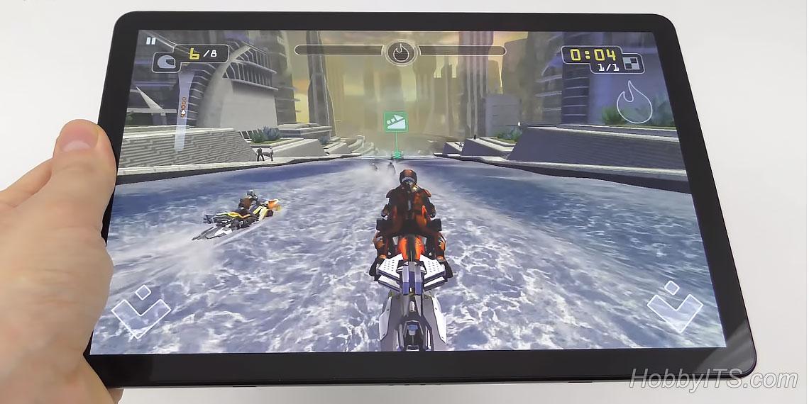 Тестирование игры Riptide GP: Renegade на Galaxy Tab S4